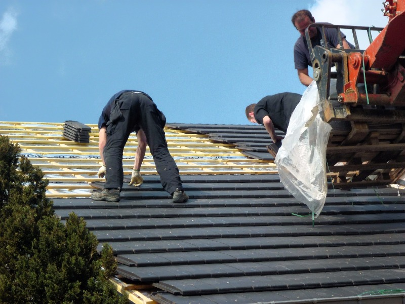 Couverture couvr 39 toit for Toiture tuile plate noire